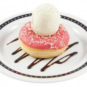 Donuts fraise et glace vanille